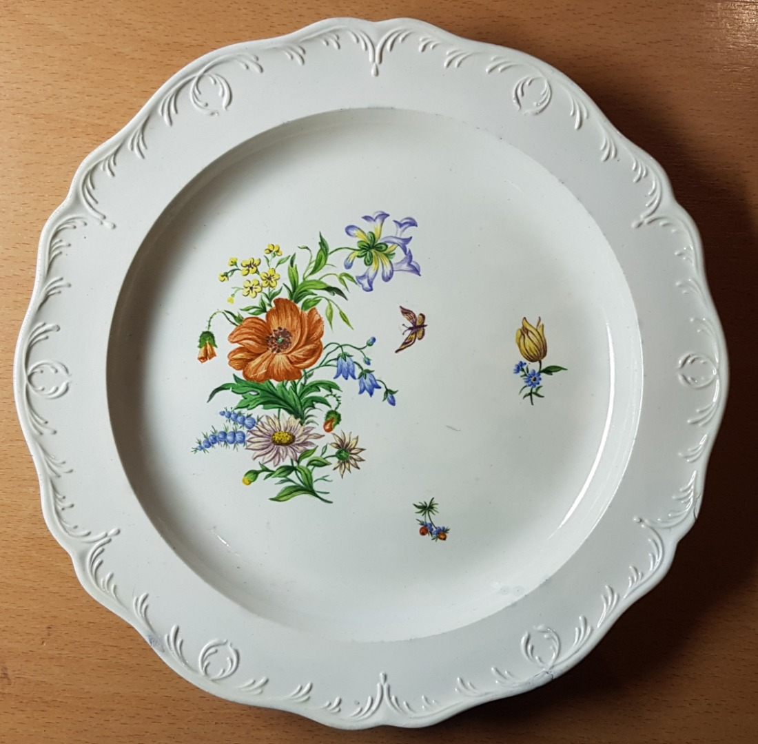 LATE 18th CENTURY WEDGWOOD PLATES
