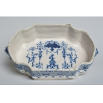 18th CENTURY MOUSTIERS FAIENCE BASIN