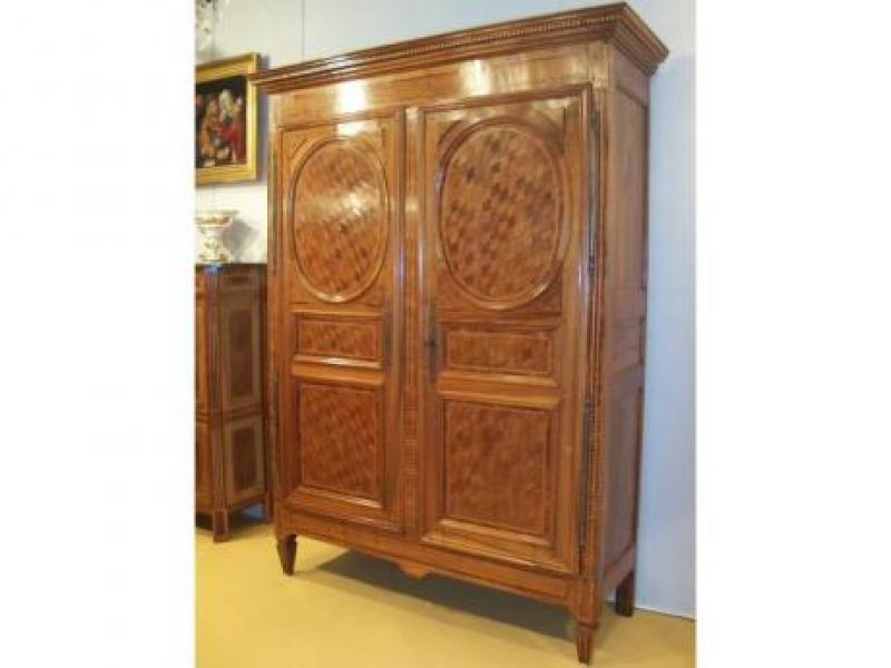 armoire louis xvi galerie antiquit s rouget de lisle. Black Bedroom Furniture Sets. Home Design Ideas