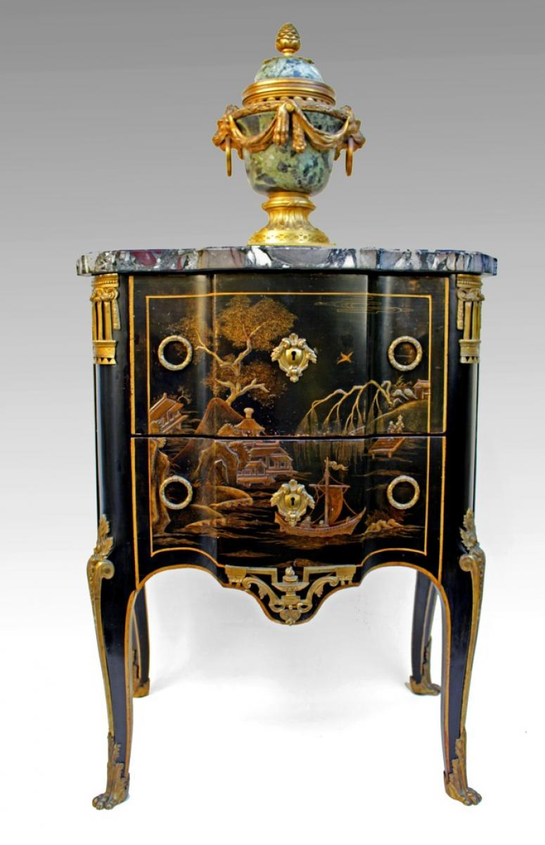 Oriental Furniture Antiques In France