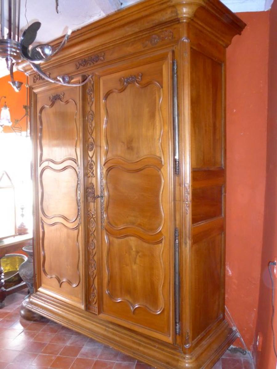 wardrobes louis xiv antiques in france. Black Bedroom Furniture Sets. Home Design Ideas