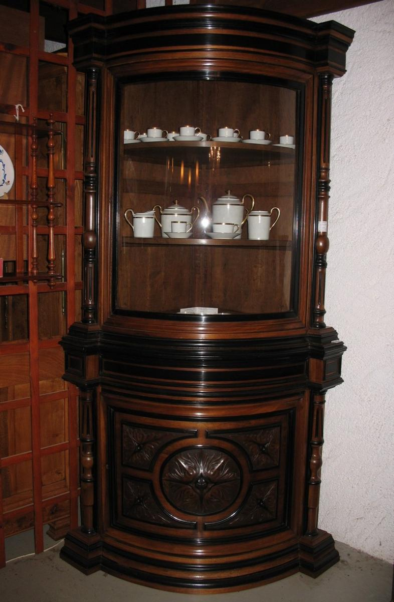 PAIR OF LOUIS XVI STYLE CORNER CUPBOARDS