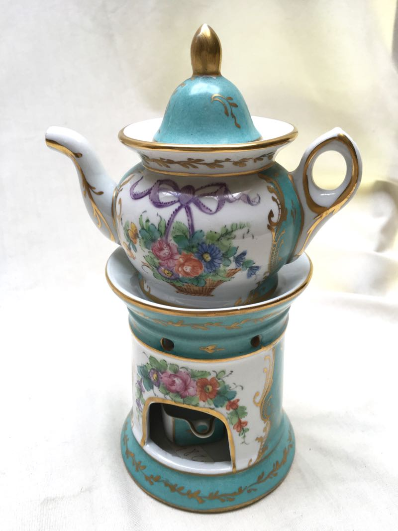 19th C PORCELAIN TISANIERE