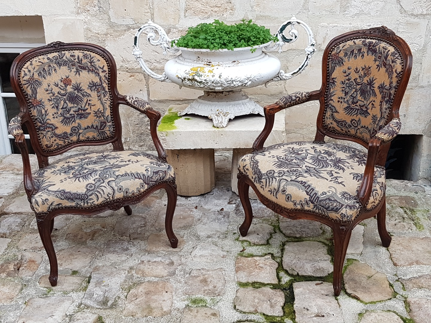 Two Cabriolet Chairs  XVIII° Century.