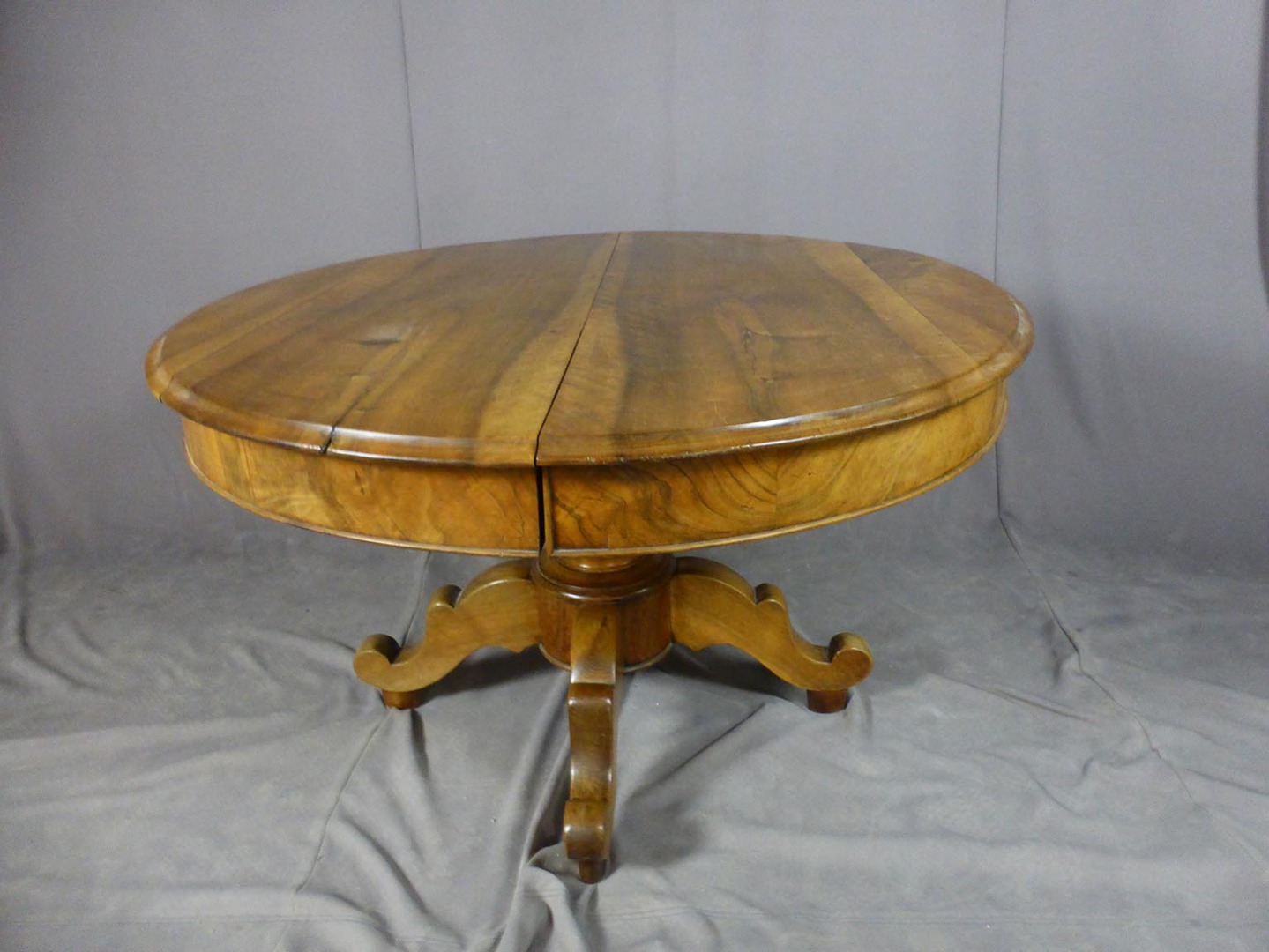 19th CENTURY EXTENDING TABLE
