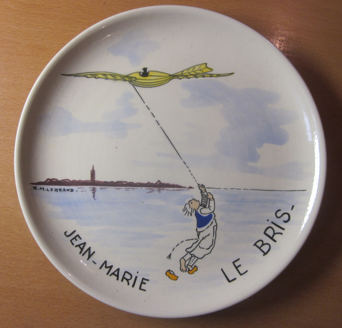 HENRIOT QUIMPER COMMEMORATIVE PLATE