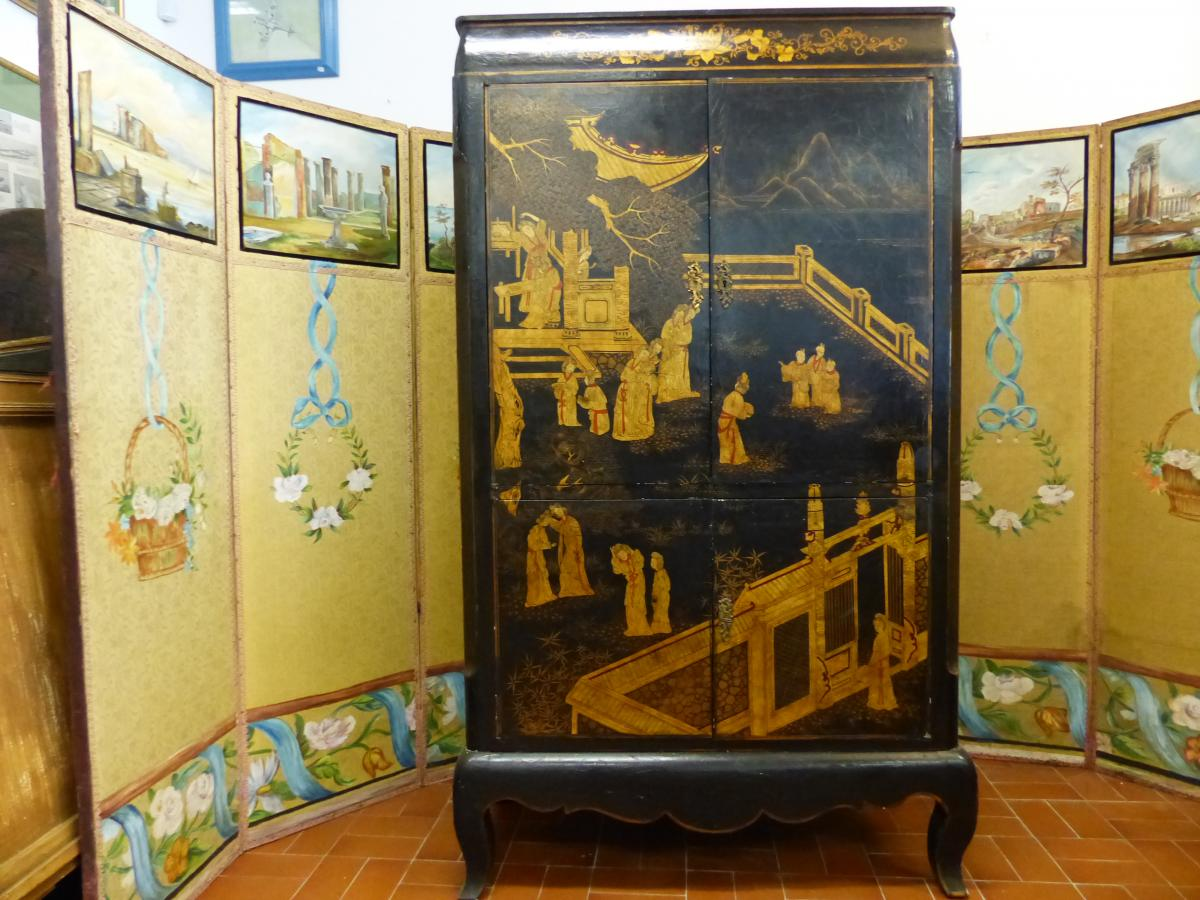 Japanese style cabinet Louis Midavaine Japanese style lacquer twentieth lacquered wood