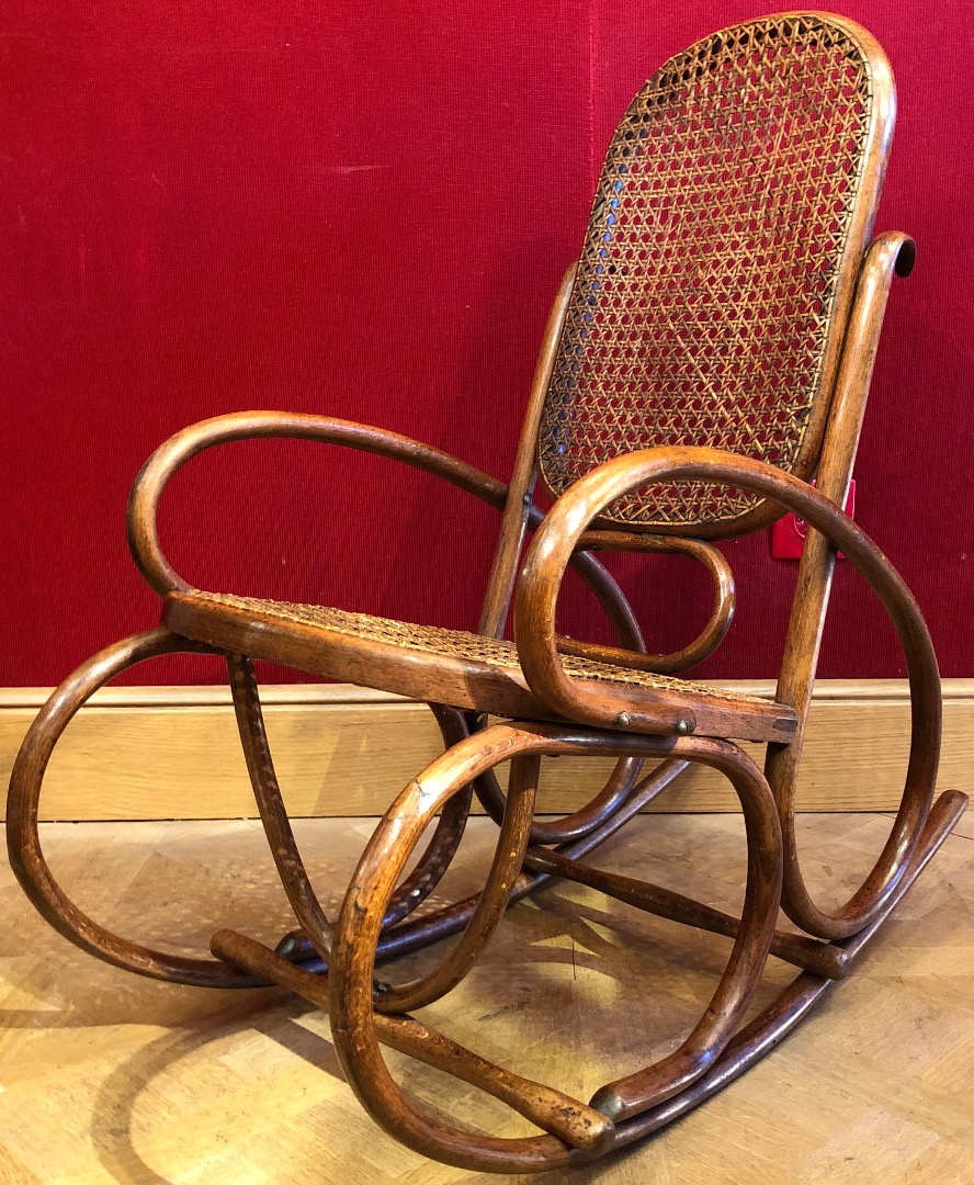 ROCKING CHAIR in curved wood, children's model