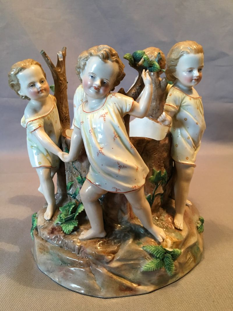 LATE 19th C PORCELAIN GROUP