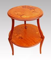 TABLE BY MAJORELLE