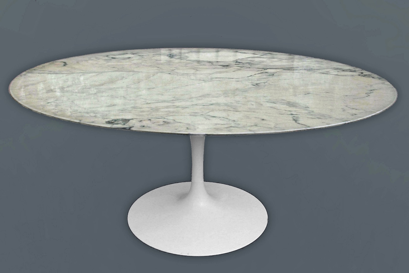 TABLE BY SAARINEN FOR KNOLL