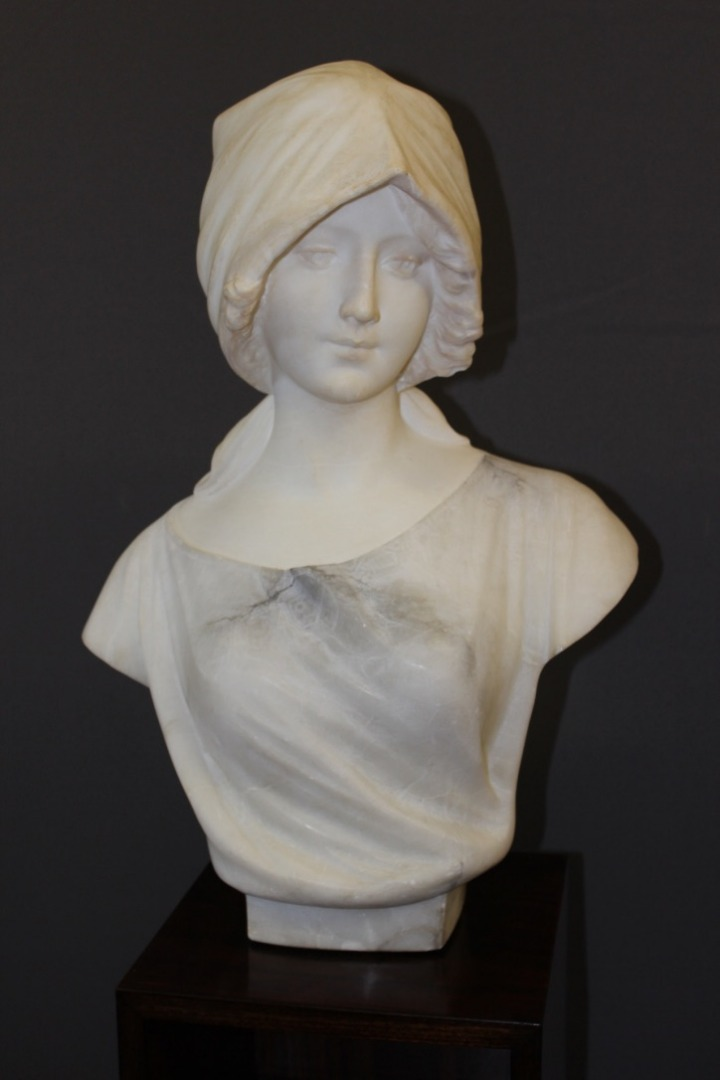 ART NOUVEAU PERIOD BUST IN ALABASTER