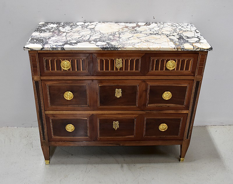 LOUIS XVI PERIOD PROVINCIAL CHEST OF DRAWERS
