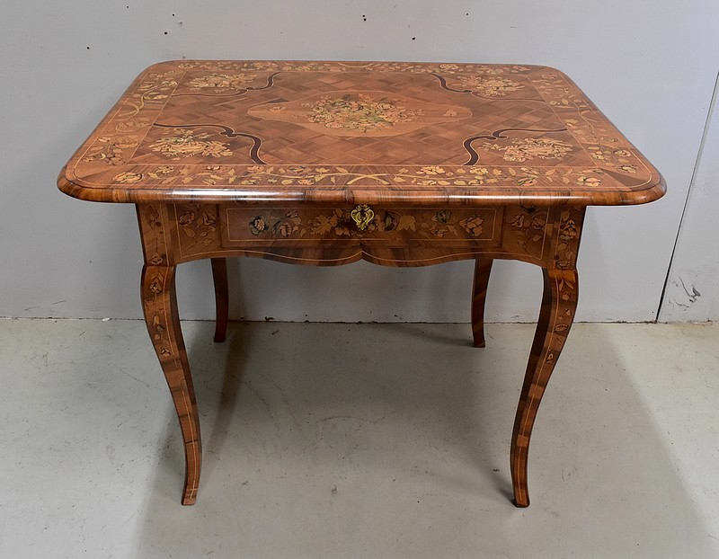 DUTCH OCCASIONAL TABLE