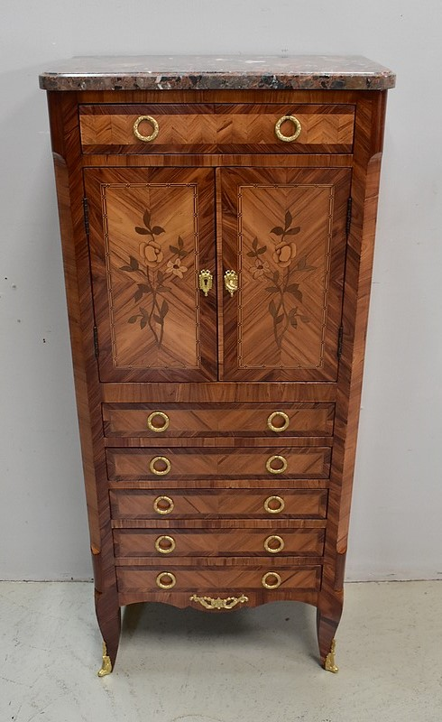 LADY'S CABINET