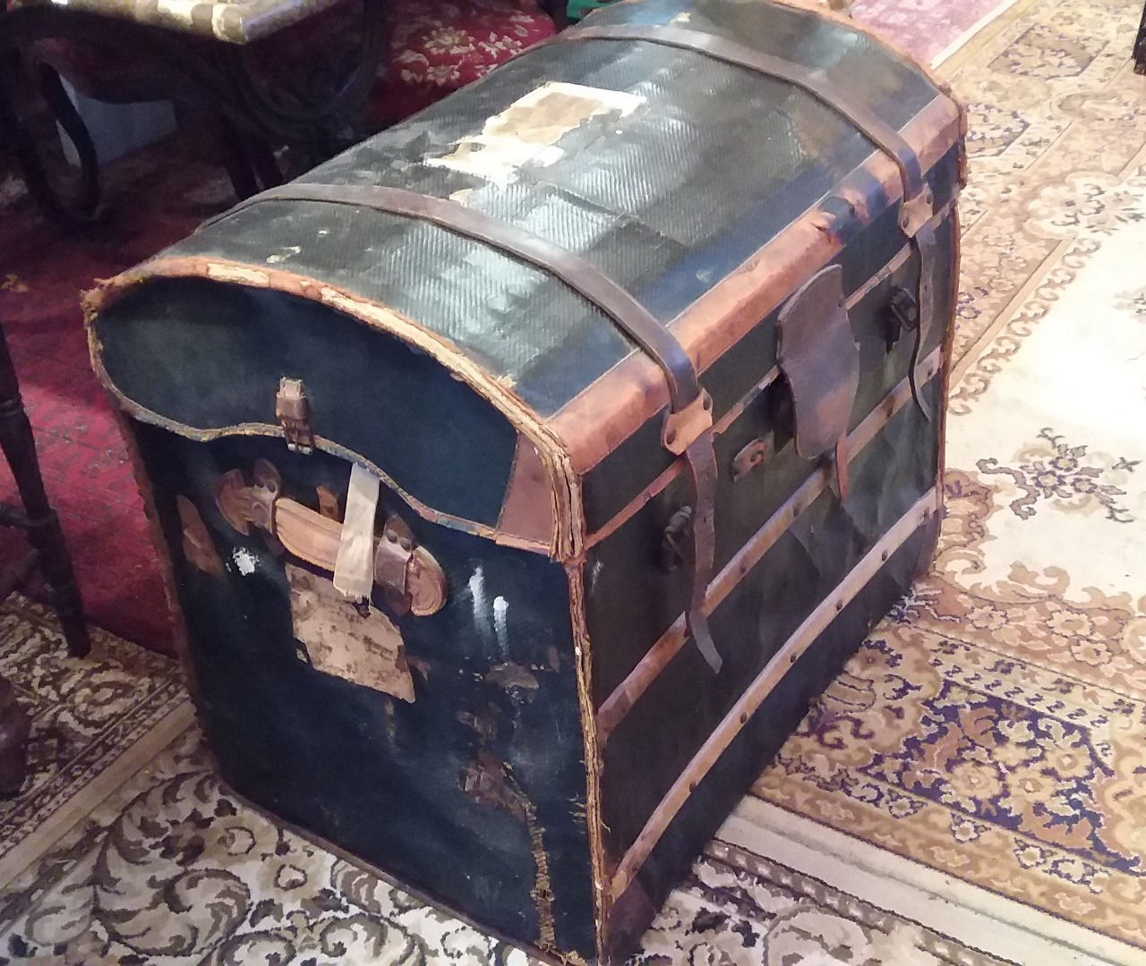 Malle Ancienne En Cuir vintage luggage 20th century | antiques in france