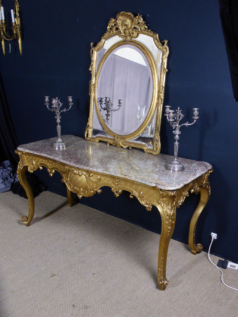 GILTWOOD TABLE