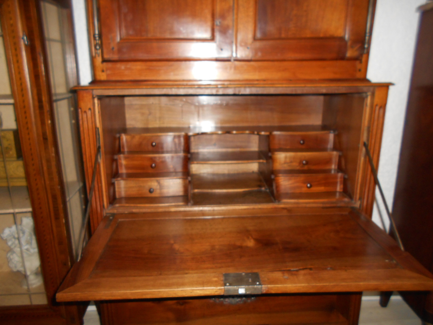 FRENCH TRANSITION PERIOD SECRETAIRE
