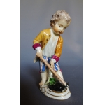 18th CENTURY MEISSEN FIGURE