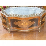 Jardiniere centerpiece in marquetry and chiselled gilt bronze louis XV style circa xix th